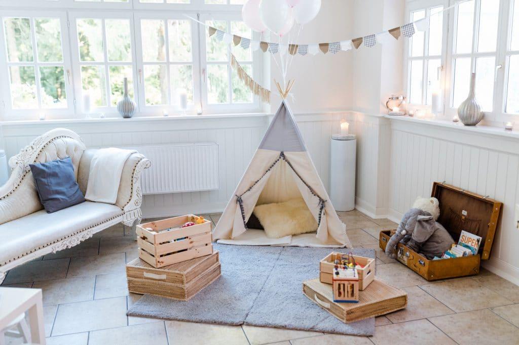 Den kleinen Gästen wird es bei der Hochzeit dank Kinderbetreuung nicht langweilig