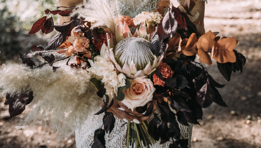 Mal eine andere Art von Blumenstrauß im Boho-Stil. Perfekt für eine Hochzeit im Herbst/Winter