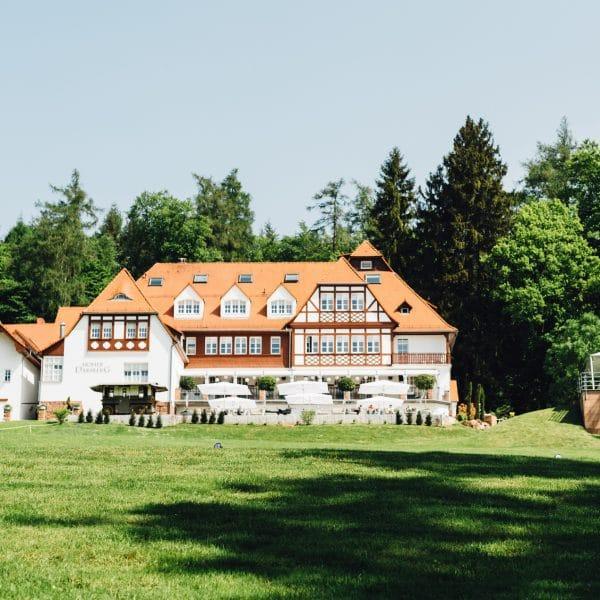 Hoher Darsberg Hochzeitslocation mit Wald und Wiesen