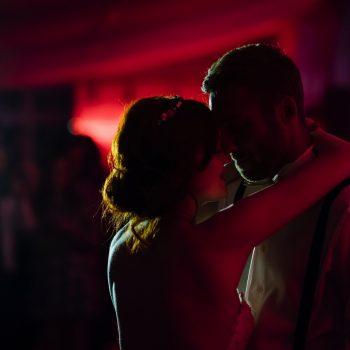 Brautpaar beim Tanzen