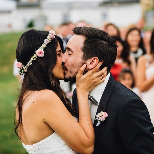 Trauung Kuss des Brautpaars