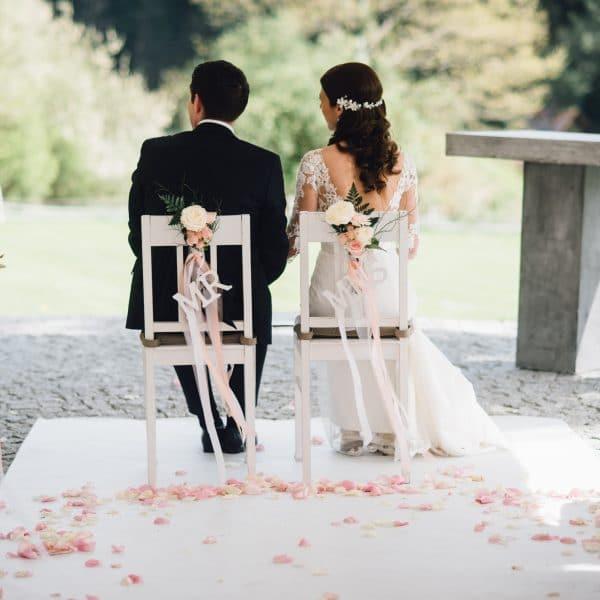 Brautpaar bei Trauung auf dem hohen Darsberg